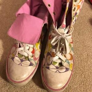 Rainbow Bonney Coach size 7